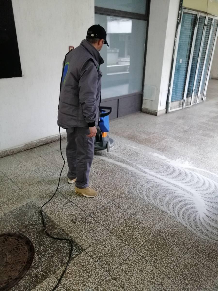Moderno i savremeno čišćenje modernim mašinama